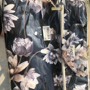 Dachee floral( lotus)  laptop bag